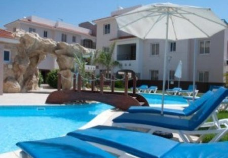 Apartment in Pyla, Cyprus: Sun loungers