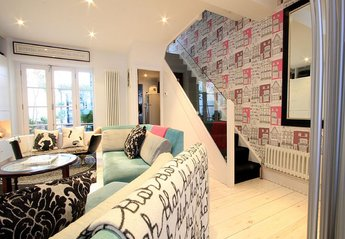 House in United Kingdom, Brighton & Hove: Bright and airy lounge
