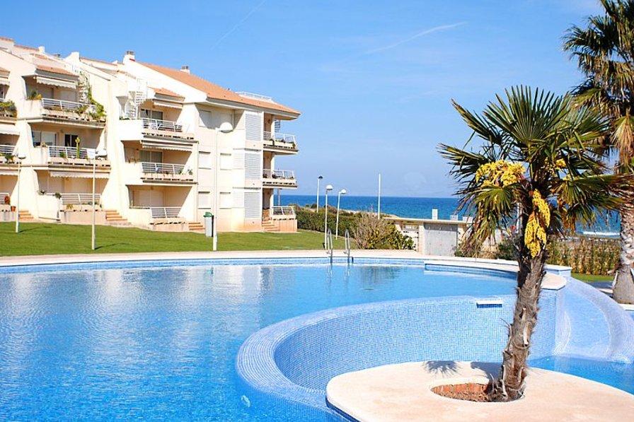 Apartment in Spain, Playa Romana-Carregador: Block III from the pool