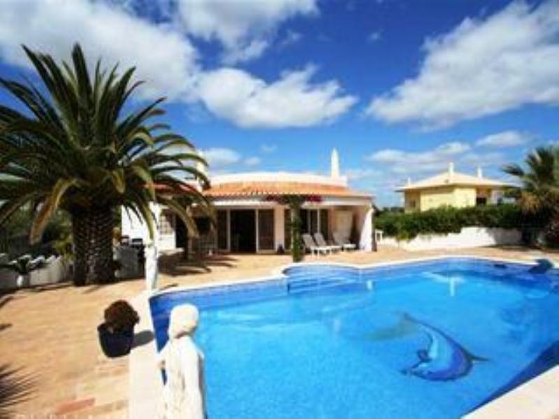 Villa in Portugal, Balaia Golf Village: Front of villa