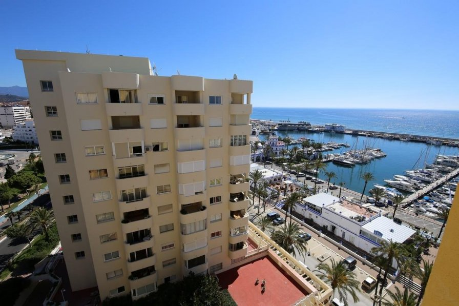 Owners abroad Apartment PP33