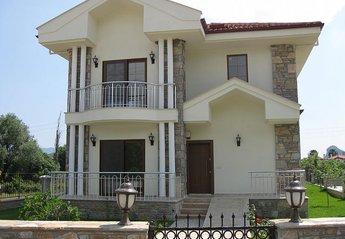 4 bedroom Villa for rent in Gulpinar