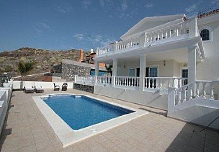 Villa in Adeje, Tenerife: The magnificent villa