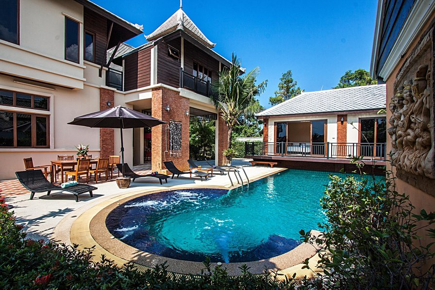 Villa to rent in jomtien pattaya with private pool 82070 - 10 bedroom house for rent in las vegas ...