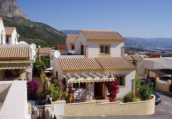 Villa in Spain, Polop: Superior 3 Bedroom Detached, 2 Bathrooms, 1 en-suite