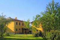 Apartment in Italy, Pian di Scò: farmhouse