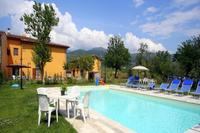 Cottage in Italy, Pian di Scò: pool, with farmhouse and barn