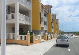 EL PINET APARTMENT with COMMUNAL POOL,AIRCON and ENGLISH TV.BEACH