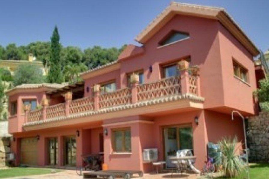 Villa in Spain, Marbella: Exterior of Villa