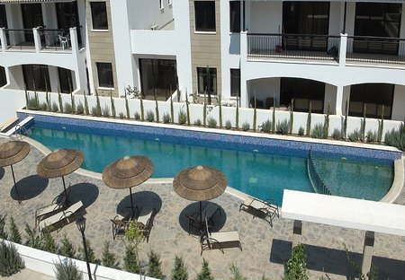Apartment in Tersefanou, Cyprus: Swimming Pool