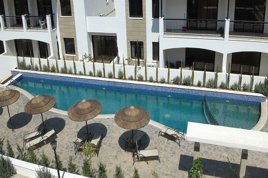 Spacious 2 Bedroomed Penthouse with Large Terrace in Tersefanou - Sleeps 6