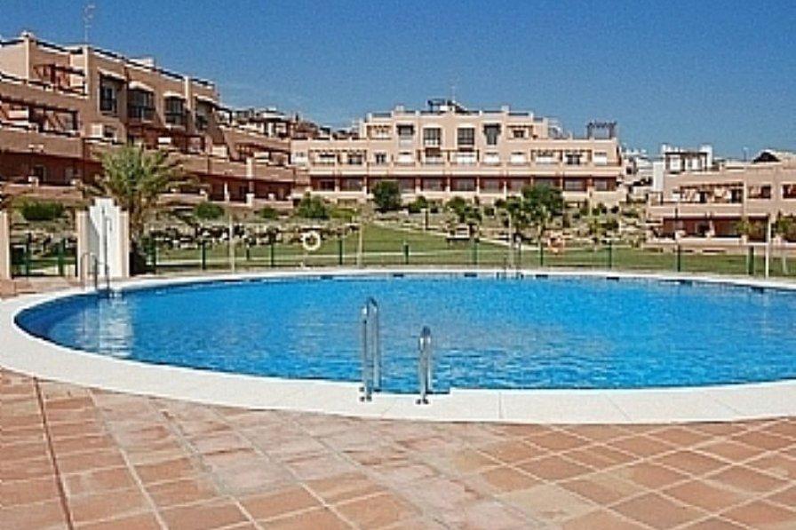 Apartment in Spain, Casares: Pool area
