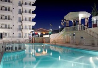 Apartment in Turkey, Altinkum: Pool area