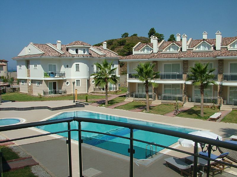 Apartment in Turkey, Calis Beach: from the opposite side the pool