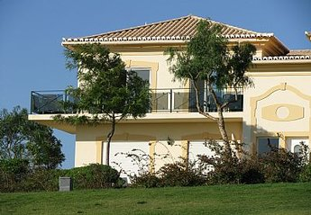 Apartment in Portugal, Quinta da Boavista: Front of apartment overlooking golf course