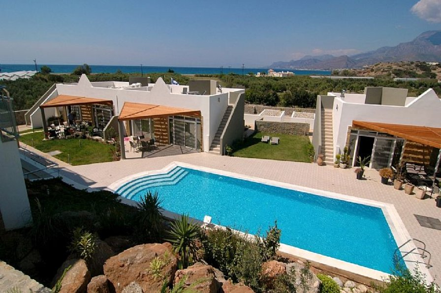 House in Greece, Lagkada: Rock garden pool, one out of the three pools