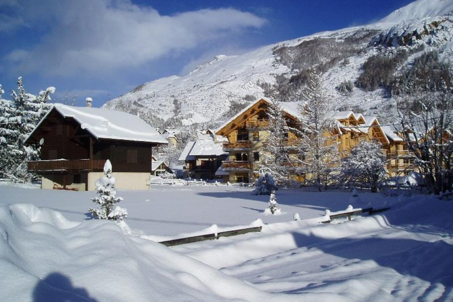Apartment in France, Le Monêtier-les-Bains: Chamoissiere in Winter.