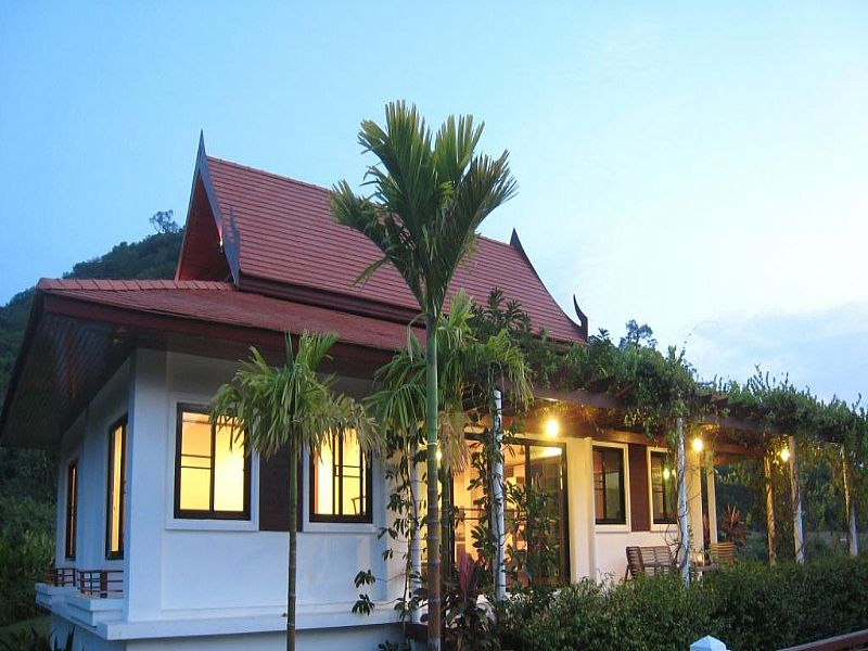 Villa in Thailand, Dolphin Bay: Evening view from north