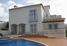 Stunning 3 bed villa overlooking golf course in Algarve, Portugal