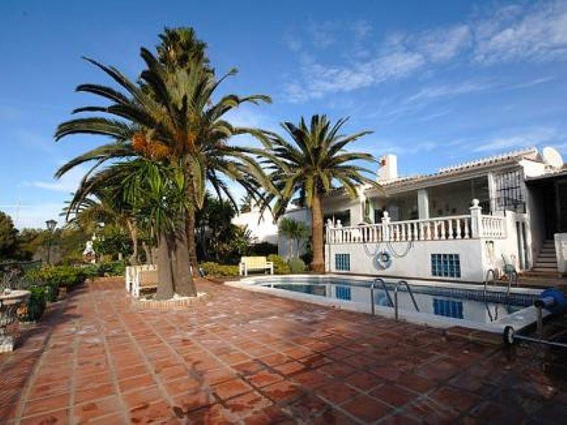 Villa in Spain, Costa del Sol - Andalucia: Exterior of villa