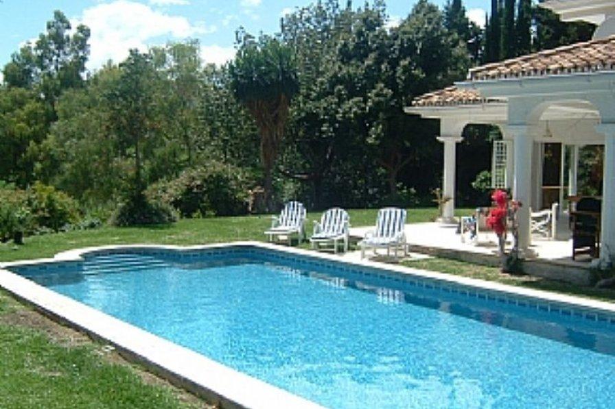 Villa in Spain, Marbella: Pool & terrace