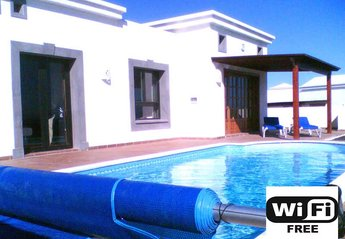 2 bedroom Villa for rent in Playa Blanca