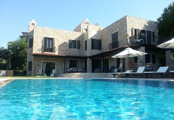 3 bedroom Villa for rent in Yalikavak