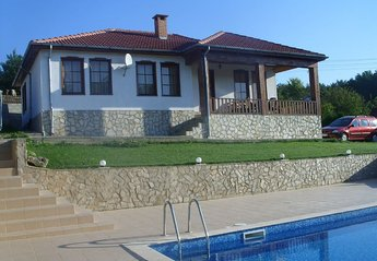 3 bedroom Villa for rent in Kranevo