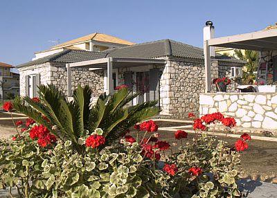 Villa in Greece, Mouzaki: Ouside view - Garden view