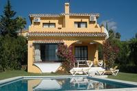 Villa in Spain, Calahonda: Villa and Pool