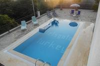 Villa in Turkey, Alanya: The pool area