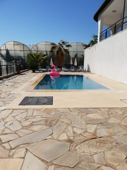 Owners abroad VILLA ALRENE
