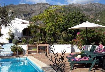 Villa in Spain, Canillas de Aceituno: the pool, villa and Sierra Tejeda mountains