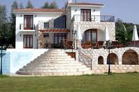 Villa in Cyprus, Argaka: Villa Ariadne - Rear & Garden