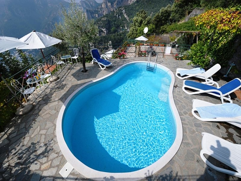 Villa in Italy, Positano: swimming pool and view
