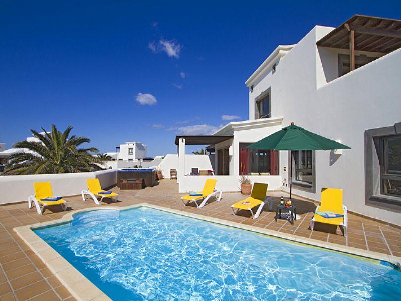 Playa Blanca Luxury Villas To Rent