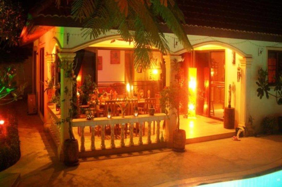Villa in Thailand, Rawai: The Coconuts Main 3 Bed Villa