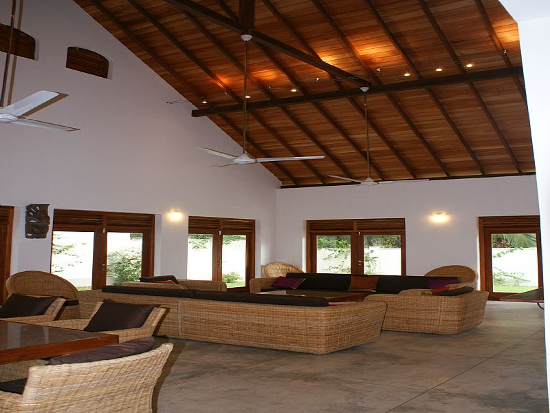 Beach house in hikkaduwa sri lanka with 3 bedrooms 83678 for Bedroom designs in sri lanka