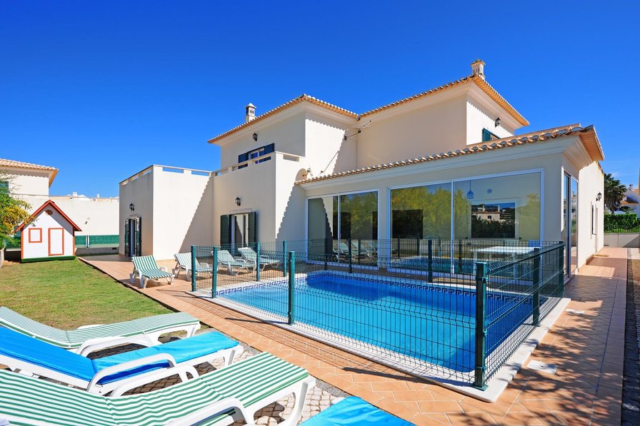 Villa To Rent In Albufeira Algarve With Private Pool 83716