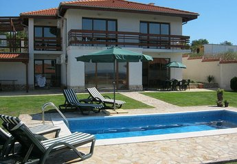 4 bedroom Villa for rent in Varna