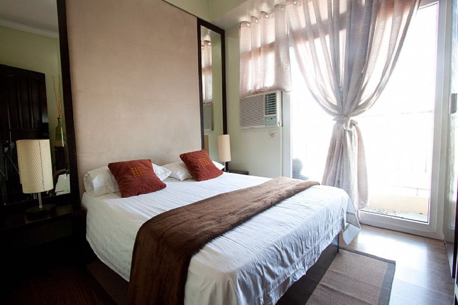 1 BR Fully Furnished Condo in Malate- LM3