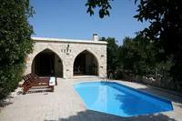 Villa in Cyprus, Miliou: Villa Neraida - Exterior