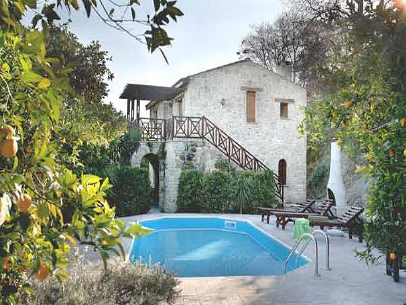 Villa in Cyprus, Miliou: Villa Clementina