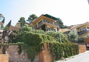 5 bedroom Villa for rent in Begur