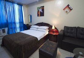 Apartment in Manila, Philippines: Queen Size Bed