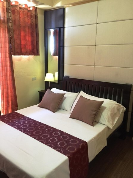 1 BR Fully Furnished Condo in Malate- LM2