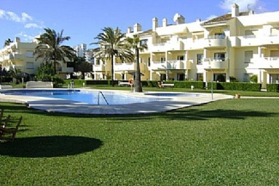 Apartment in Spain, La Cala De Mijas: Exterior and pool area