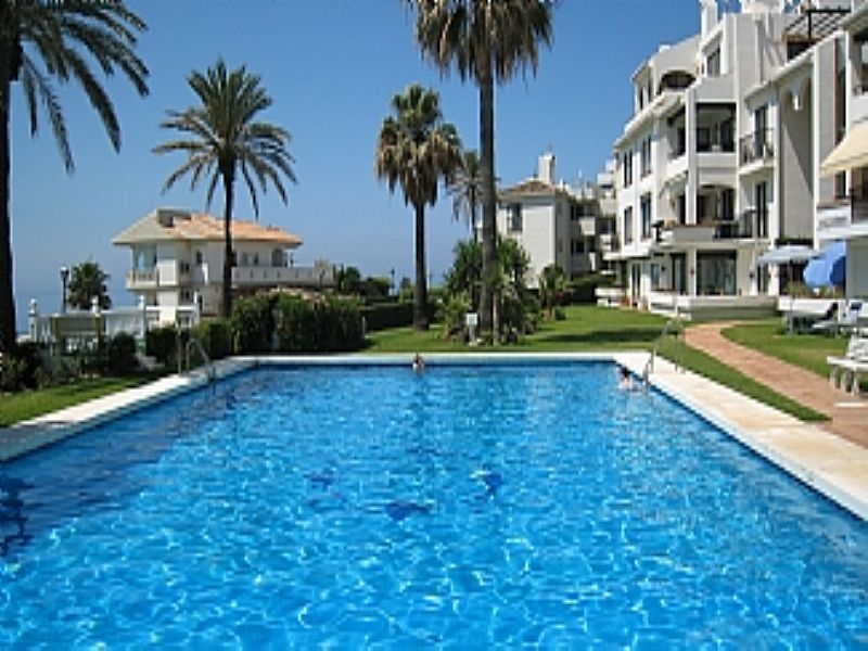 Apartment in Spain, Mijas: Exterior and pool area