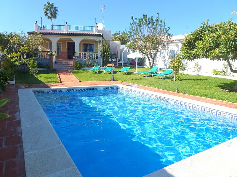 Villa in Spain, Nerja: villa and pool