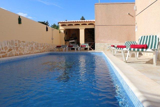 Villa Roberto | 7 Bedrooms | Pool | Wifi | Car Not Necessary